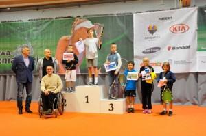 Mateusz Kułakowski wygrywa turniej o rakietę 10.12.2013